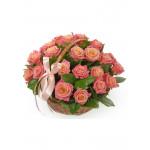 Корзина из 21 розы